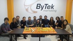 Il giovane gruppo di ByTek Marketing