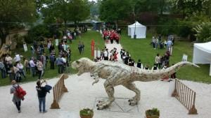 I Riciclosauri in una precedente esibizione alla Festa degli Alberi di Mombaroccio