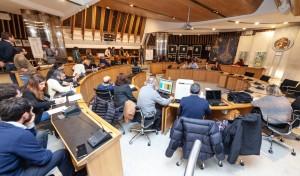 sindaci e consiglieri in attesa dei risultati