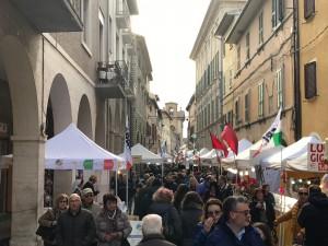 Un affollato Corso Garibaldi