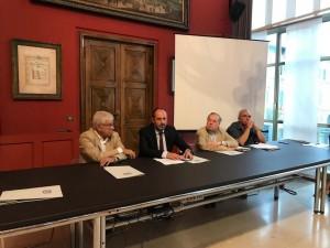 Nicholas Payne (terzo da sinistra) con Palacio, Vimini e Lorenzetti (Foto Amati Bacciardi)