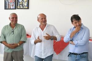 Da sinistra, i due main sponsor Otello Battistelli ed Ivano Angeli e - al centro - il sindaco di Città di Vallefoglia Palmiro Ucchielli.