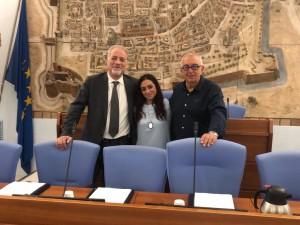 Sergio 'Joe' Castellani (a sinistra) con Camilla Murgia ed Enzo Belloni della lista civica Una Città in Comune