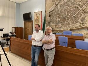 Daniele Vimini e Ernesto Palacio durante la presentazione della Petite messe solennelle