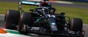 Hamilton sempre più superman. Pole e record  a Monza
