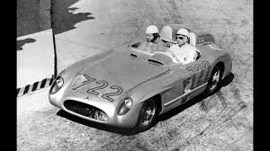 La Mercedes di Moss lanciato verso la vittoria con record del 1955