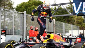 Verstappen festeggia la vittoria