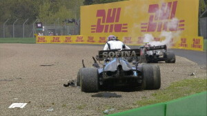 Russell e Bottas dopo il terribile incidente