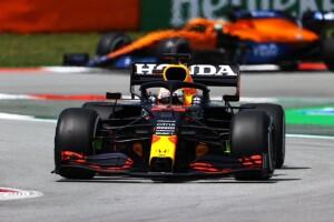 Verstappen secondo per 36 millesimi