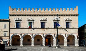 PREFETTURA palazzo_ducale_facciata_ph_luigi_angelucci_02