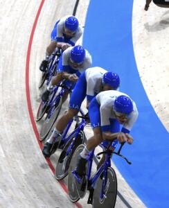 Il quartetto italiano medaglia d'oro nell'inseguimento a squadre
