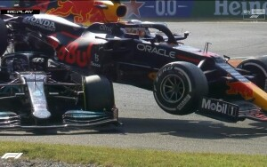Il crash fra Verstappen e Hamilton